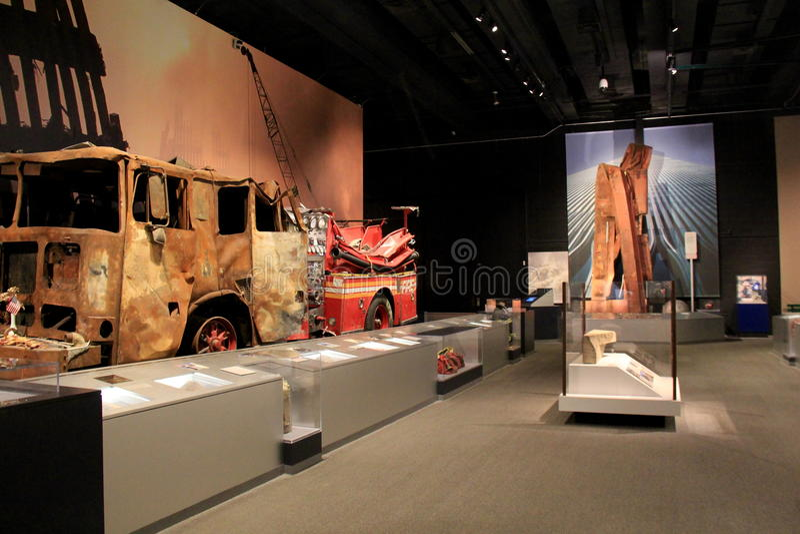 Squelette de camion de pompiers de burn-out de 9-11 horreurs, musée d'état d'Albany, 2016 photo stock