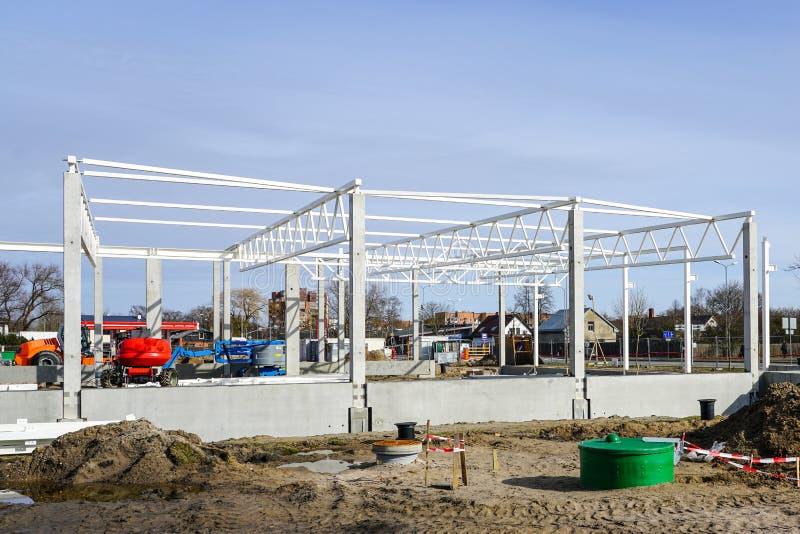Squelette du bâtiment en métal en construction, objet industriel photo stock