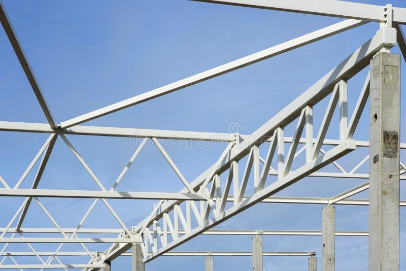 Squelette du bâtiment en métal en construction, objet industriel images stock