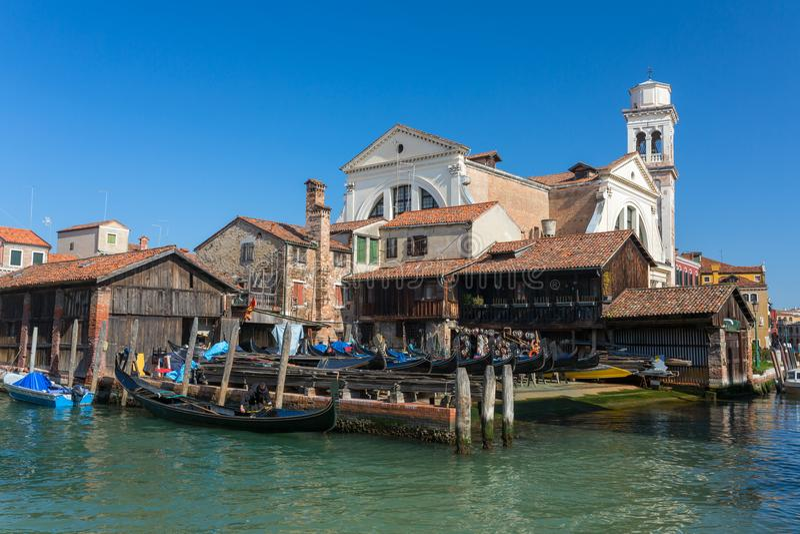 Squero di圣Trovaso 做的长平底船车间在威尼斯 免版税库存图片