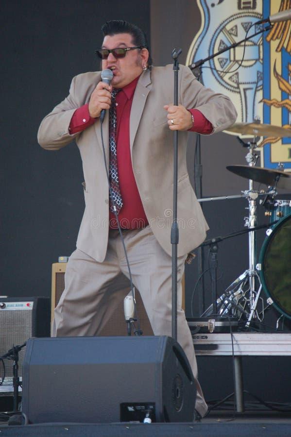Sr. Nick cerca para fora azuis ajusta no festival dos azuis em Portland, Oregon fotos de stock