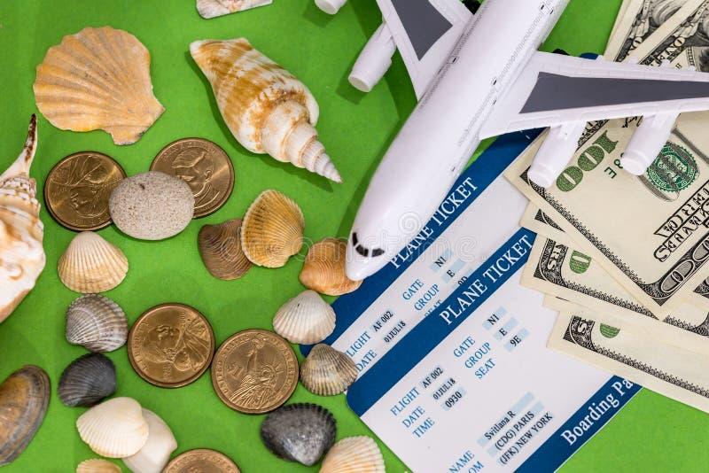 Srasheel med biljetten och dollaren arkivfoton