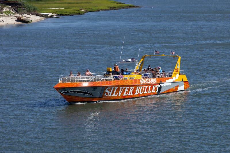 Srebna pocisk prędkości łódź w Wildwood, Nowym - bydło zdjęcie royalty free