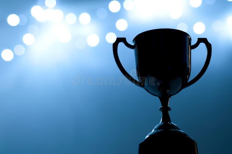 Srebna trofeum rywalizacja w zmroku fotografia royalty free