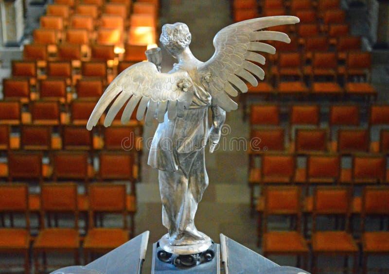 Srebny anioł przegapia nave Frederiksborg kasztel - kaplicy wnętrze - zdjęcie royalty free
