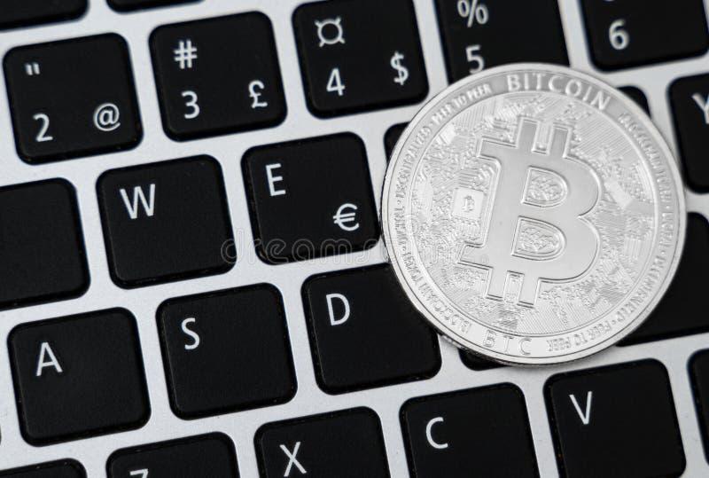 Srebny bitcoin obrazy royalty free