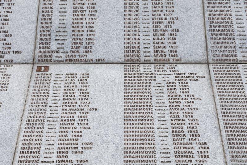 Srebrenica, Bosnien Herzegovina, am 16. Juli 2017: Denkmal Potocari, Srebrenicas und Kirchhof stockfotografie