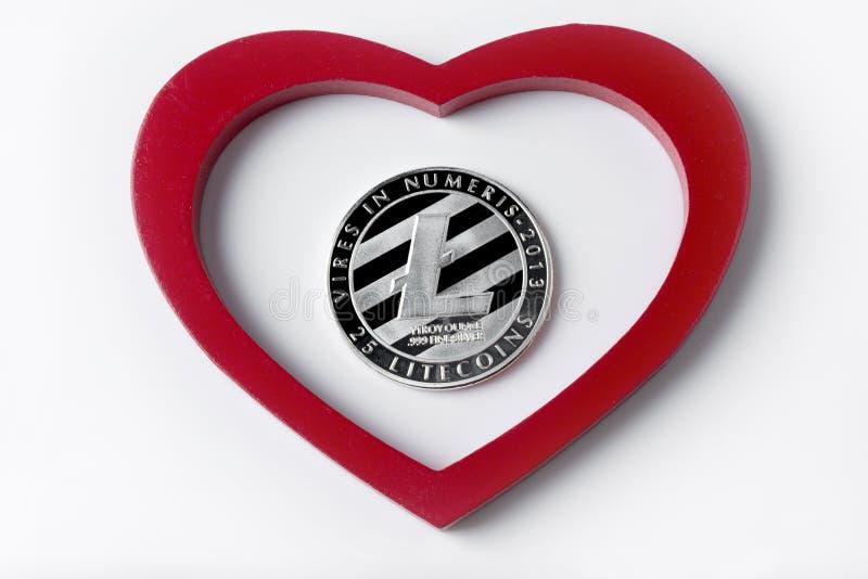 Srebro barwił menniczego Litecoins - międzynarodowy wirtualny cryptocurrency zdjęcia stock