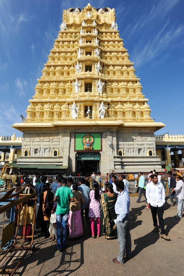 Sri Chamundeswari tempel på överkanten av den Chamundi kullekullen royaltyfri fotografi