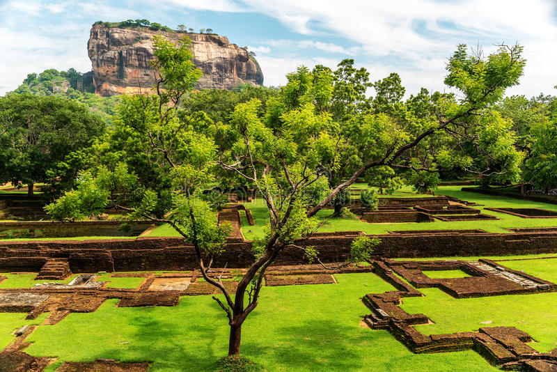 Sri Lanka: alte Lion Rock-Festung in Sigiriya lizenzfreies stockbild