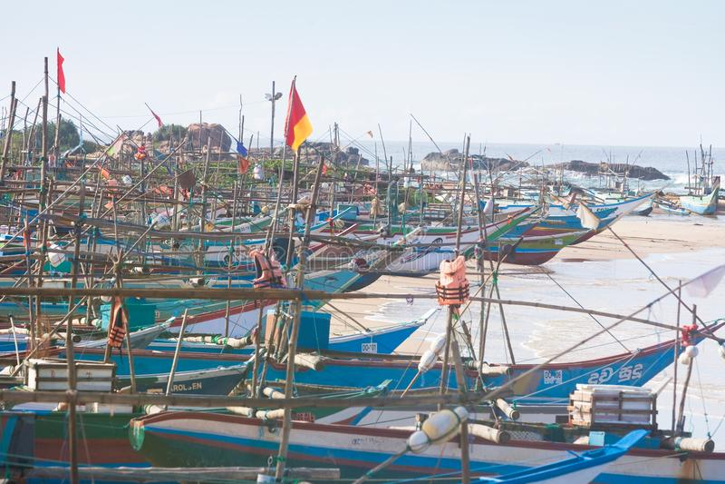 Sri Lanka, Dodanduwa - varios barcos en el puerto natural de hacen fotos de archivo libres de regalías