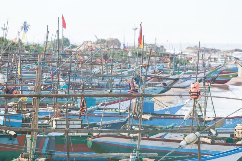 Sri Lanka, Dodanduwa - varios barcos en la playa de Dodanduwa fotografía de archivo libre de regalías