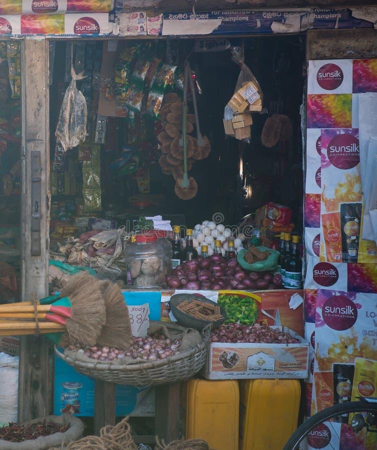 Sri Lanka, Nuwara Eliya, compañía de BlueField, el 14 de enero de 2017, mercado asiático del ` s del granjero que vende verduras  imagen de archivo libre de regalías