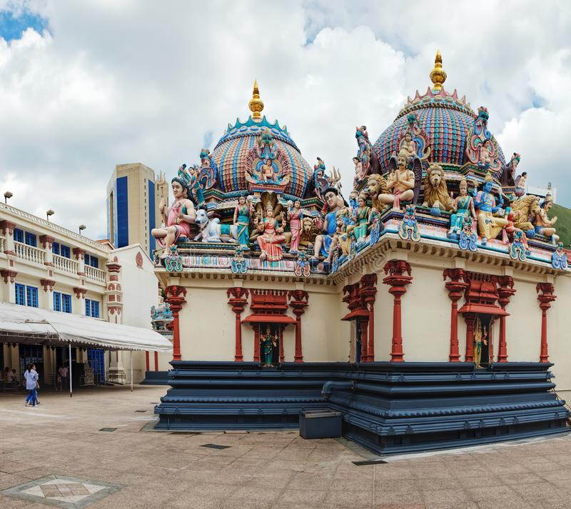 Sri Mariamman hinduisk tempel i kineskvarteret, Singapore arkivfoton