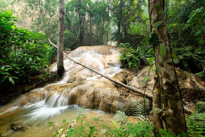 Sri Sang Wan Waterfall, Pha Dang National Park, Chiangmai Thailand arkivfoton