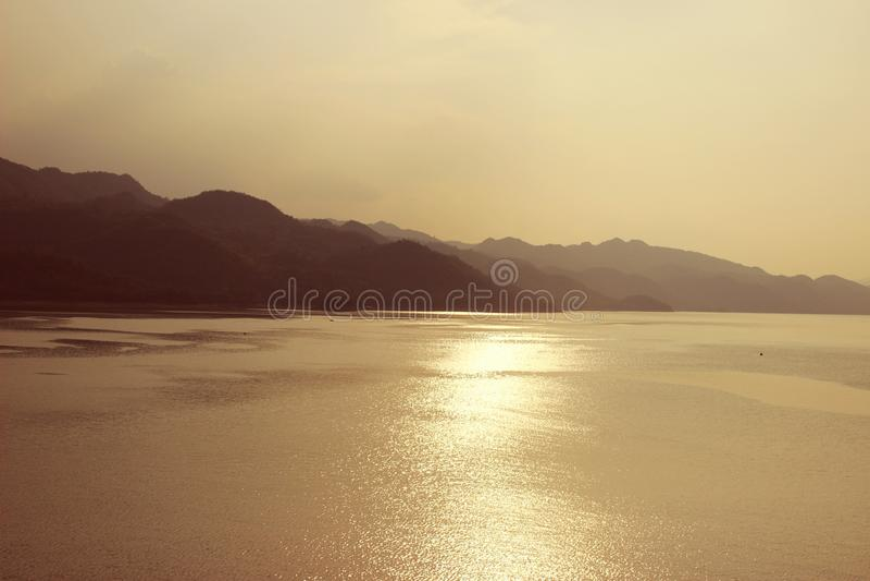 Srinagarind水坝 免版税库存照片