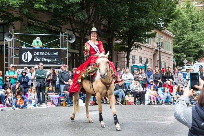 Srta. Rodeo de Oregon en el desfile floral magnífico imágenes de archivo libres de regalías