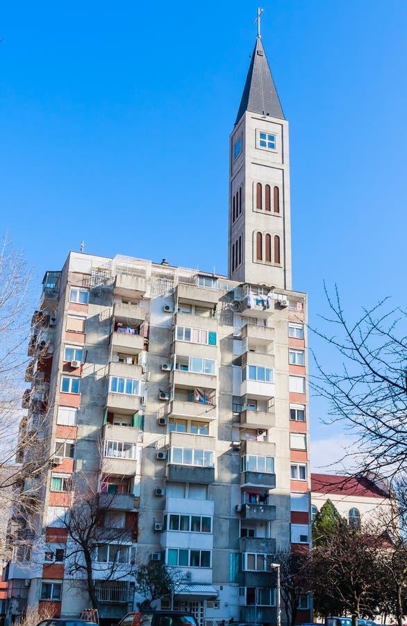 SS彼得和由方济会修道院的保罗天主教会,莫斯塔尔,波黑钟楼  库存图片