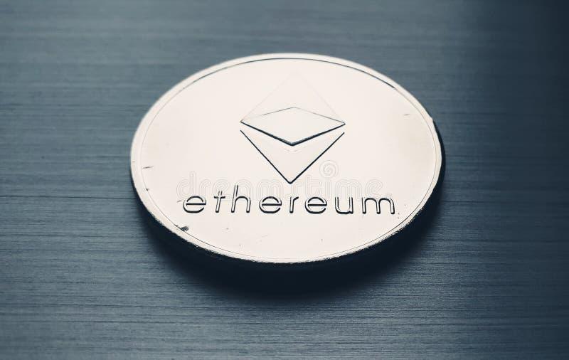 Ssilber-Ethereum-Bitcoin-Münze stockfotografie