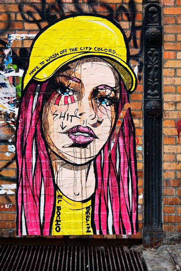 Städtische Graffiti in Berlin durch EL Bocho lizenzfreie stockbilder