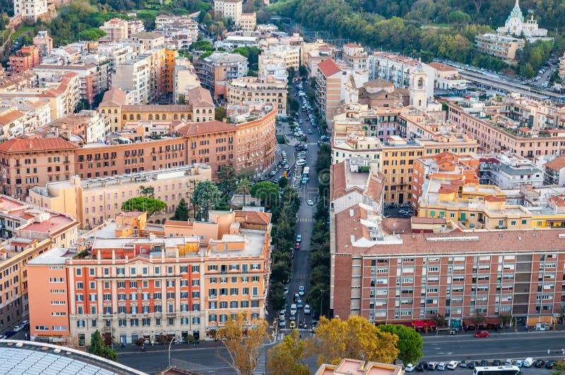 Städtische Skylineansicht Rom-Stadtbilds von oben mit vielen Geschichte, Künsten, Religion und Architektur lizenzfreie stockbilder
