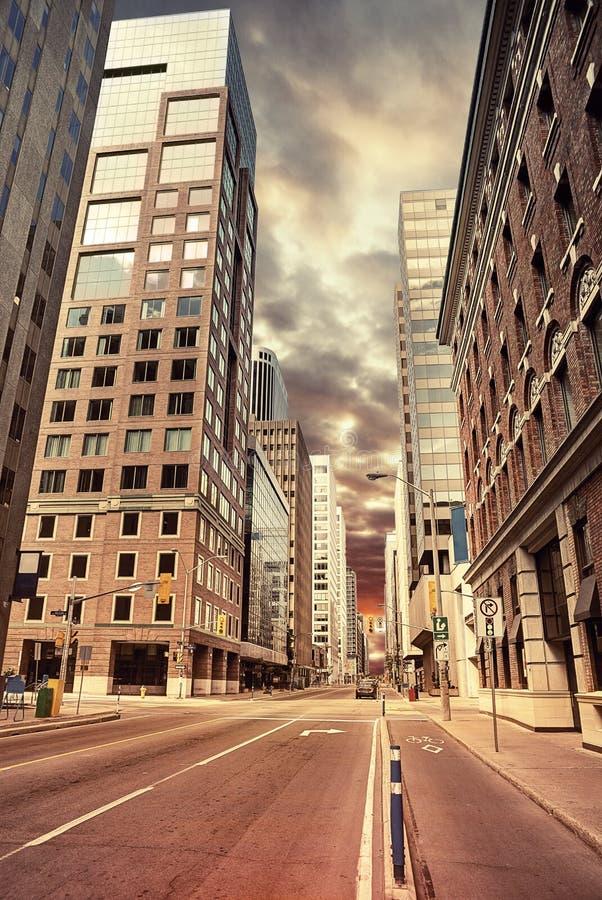 Städtische Szenenstraßenansicht morgens stockbilder