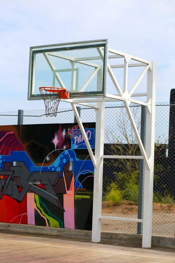 Städtischer Basketballkorb Spiel lizenzfreies stockfoto