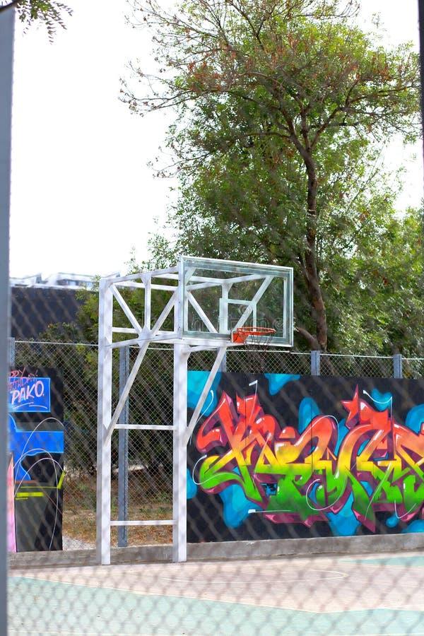 Städtischer Basketballkorb Spiel stockfotografie