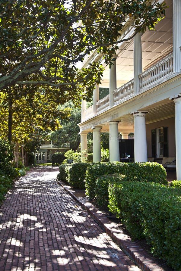 Städtisches Haus des typischen Victorian in Charleston lizenzfreie stockbilder