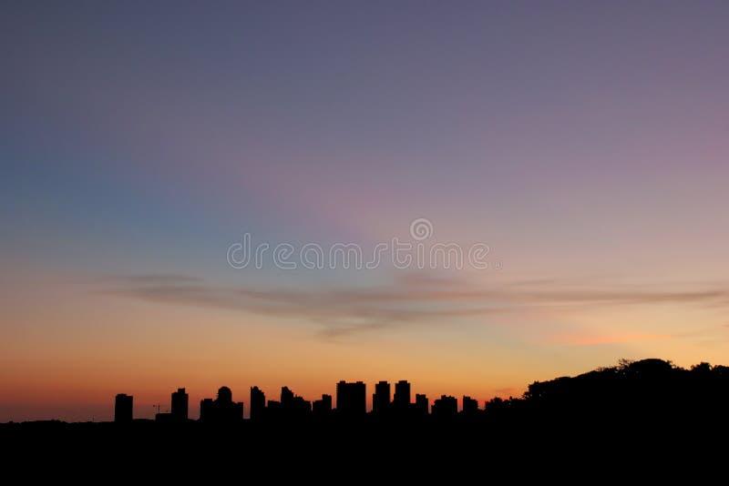 Städtisches Landscapeat bei Sonnenuntergang lizenzfreies stockbild