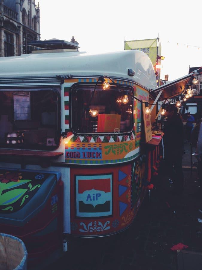Städtisches LKW-Lebensmittelfestival lizenzfreie stockfotografie