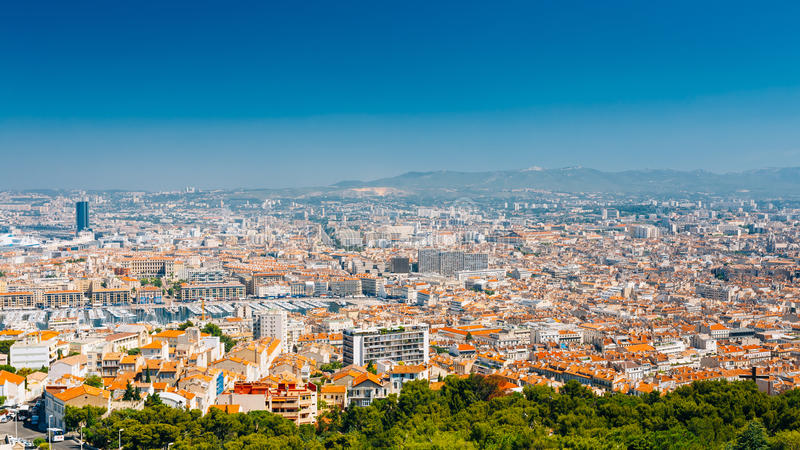 Städtisches Panorama, Vogelperspektive, Stadtbild von Marseille, Frankreich stockfotografie