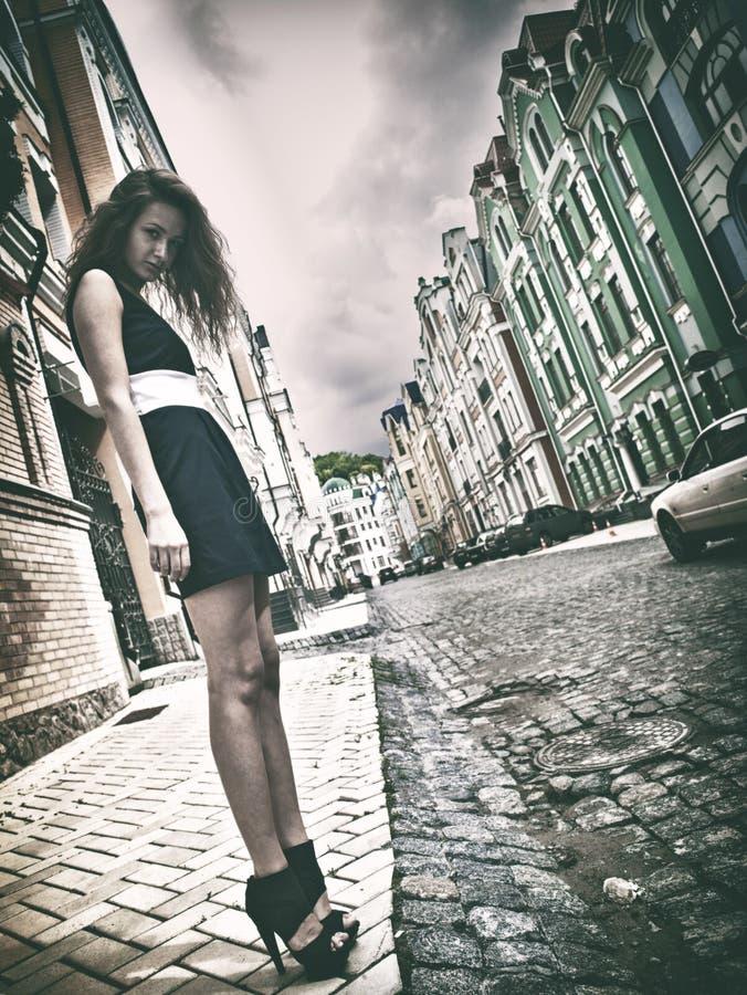 Städtisches weibliches Porträt stockbilder