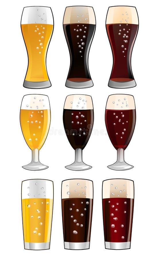 Ställ in av exponeringsglas med olikt öl och öl arkivbilder