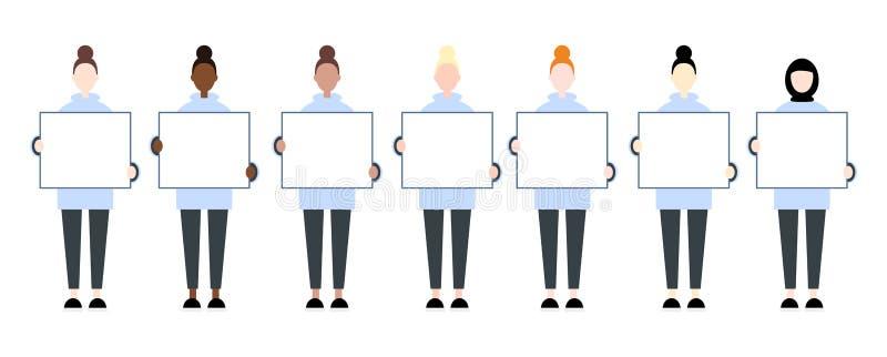 Ställ in av kvinnliga tecken för det olika loppet som rymmer ett tomt plakat Kvinnar?tter stock illustrationer