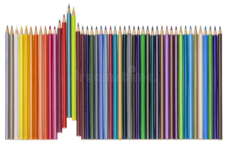 Ställ in av mångfärgade pensils som växer rad, isolerat på vit royaltyfri bild