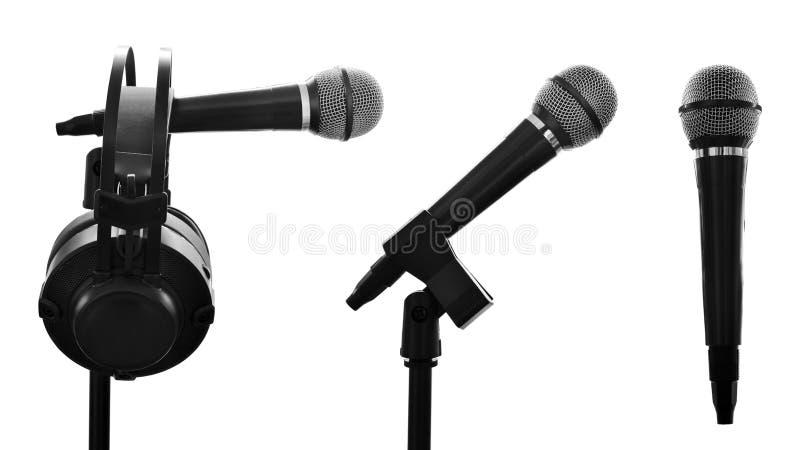 Ställ in av mikrofonen som isoleras på vit bakgrund royaltyfria bilder