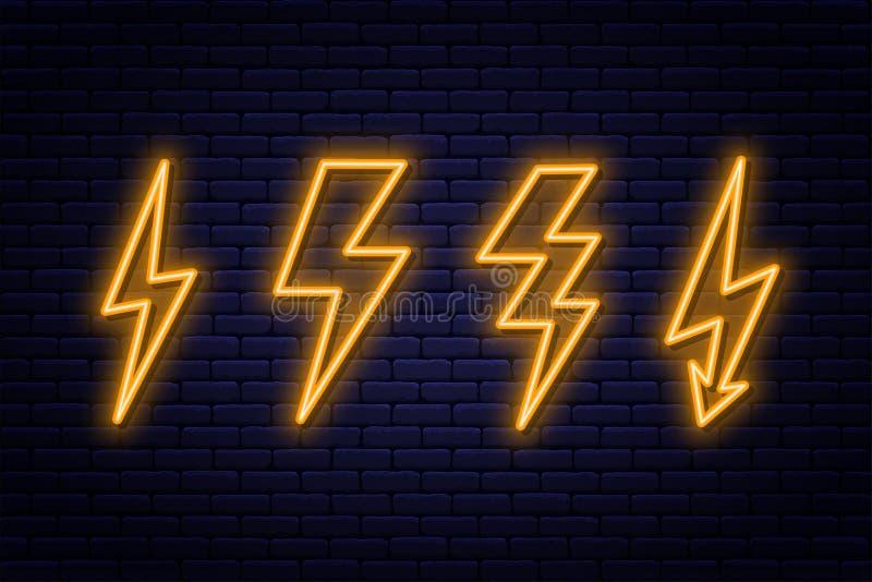 Ställ in av tecken för neonblixtbult Neontecken av det elektricitets- eller hög-spänning symbolet på bakgrund för tegelstenvägg royaltyfri illustrationer