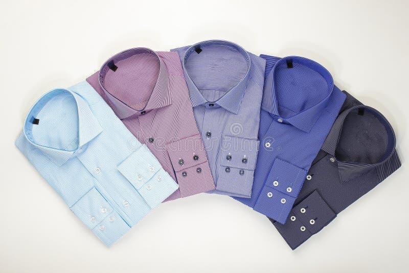 Ställ in klassiska mäns skjortor arkivfoto