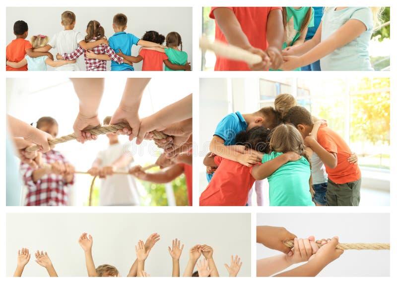 Ställ in med barn som visar enhet arkivfoto