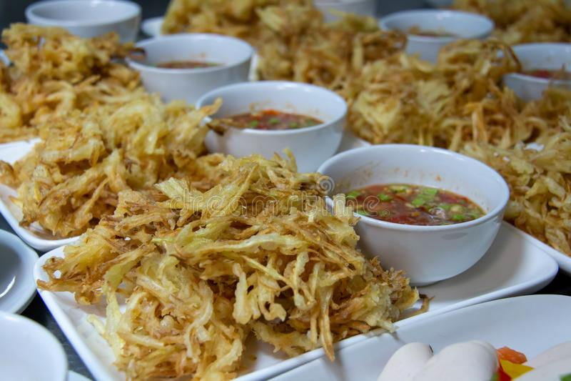 Ställ in thai mat för lunch och matställe royaltyfri bild