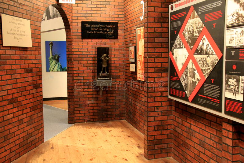 Ställ ut följande timeline av Amerika det enda museet för tillståndet 'för den säkra tillflyktsorten' för flyktinglägret, Albany, arkivfoto