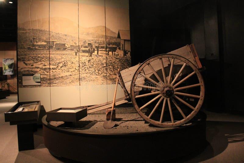Ställ ut som täcker historien av att bryta i adirondacksen, det statliga museet, Albany, New York, 2016 royaltyfri fotografi