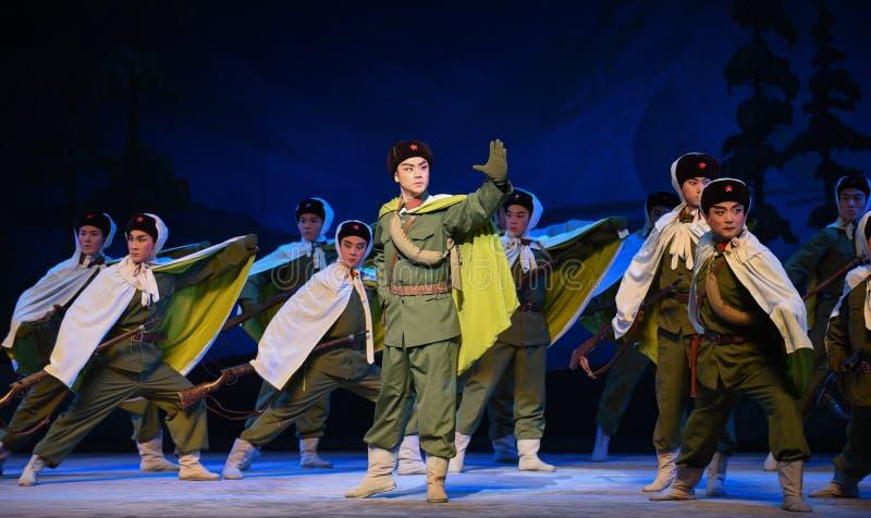"""Ställ in ut till denPeking operan som """"Taking Tiger Montain By Strategyâ € arkivbilder"""