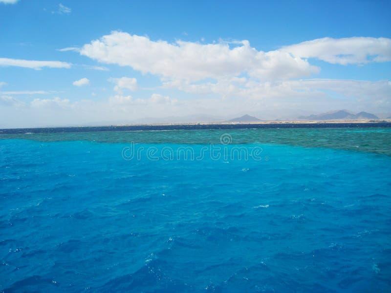 Ställe av blandning av vattnet av Röda havet Sinai Egypten royaltyfri bild