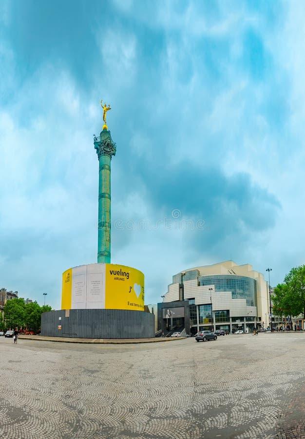 Ställe de la Bastille och och operaBastille, Paris, Frankrike royaltyfri bild