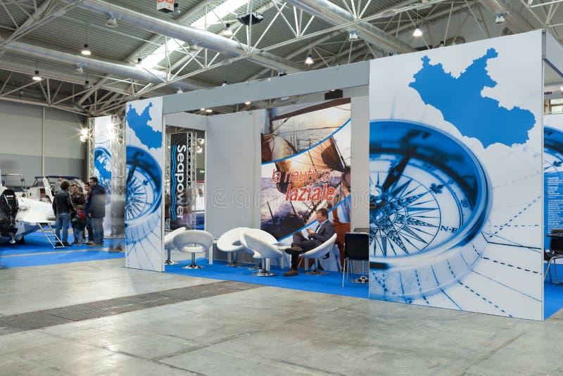 Ställningar på den Big Blue expon 2014 arkivfoto