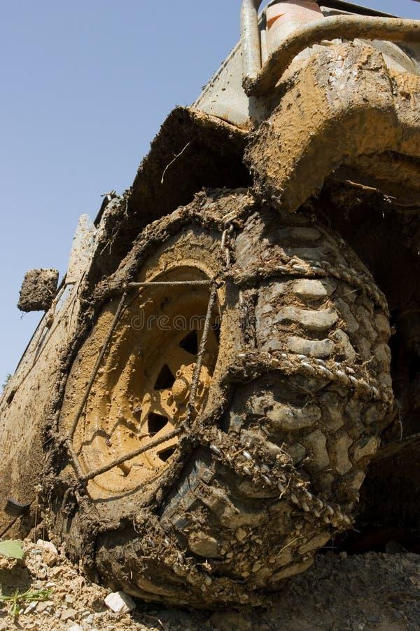 stäng det leriga övre hjulet royaltyfria foton