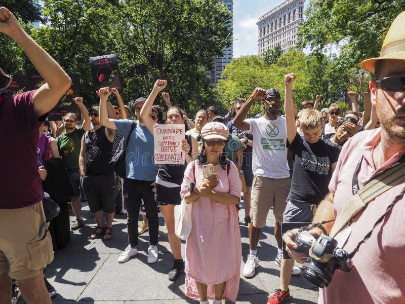 Stäng lägren protesterar arkivfoton