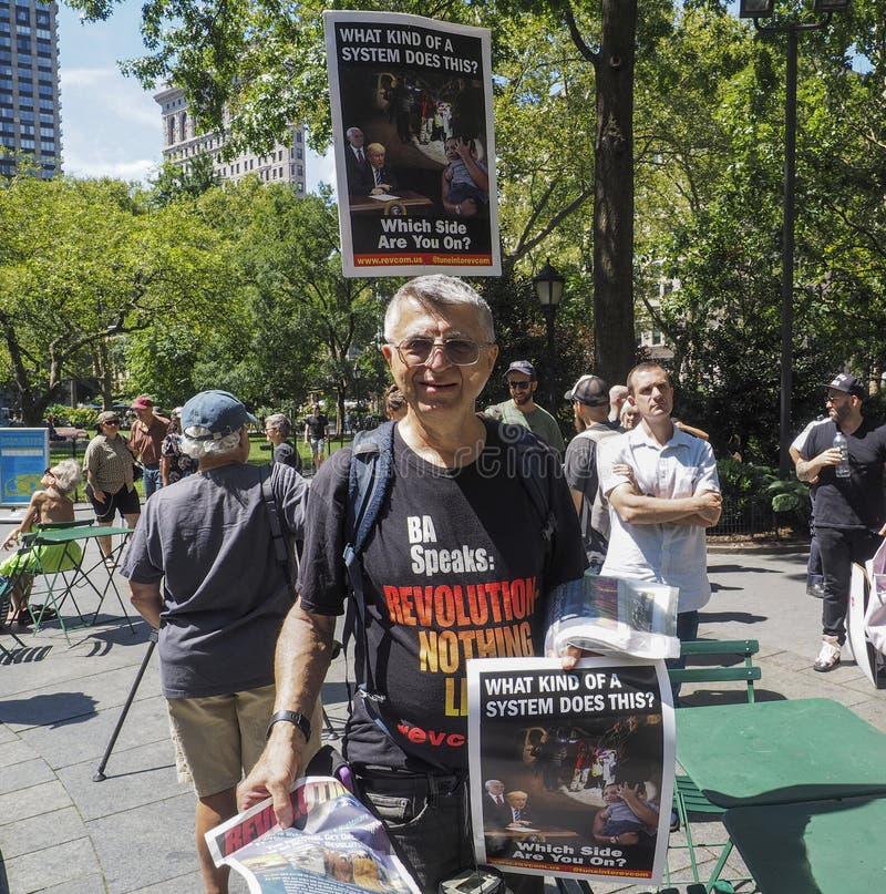 Stäng lägren protesterar royaltyfria foton